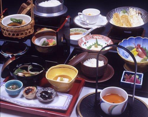 日光名物湯波と旬の菜 昼御膳「千の爛」