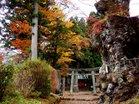 紅葉の境内(花石神社)