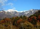 左)女峰山2483m右)赤薙山2010m