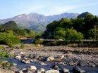 女峰山と稲荷川